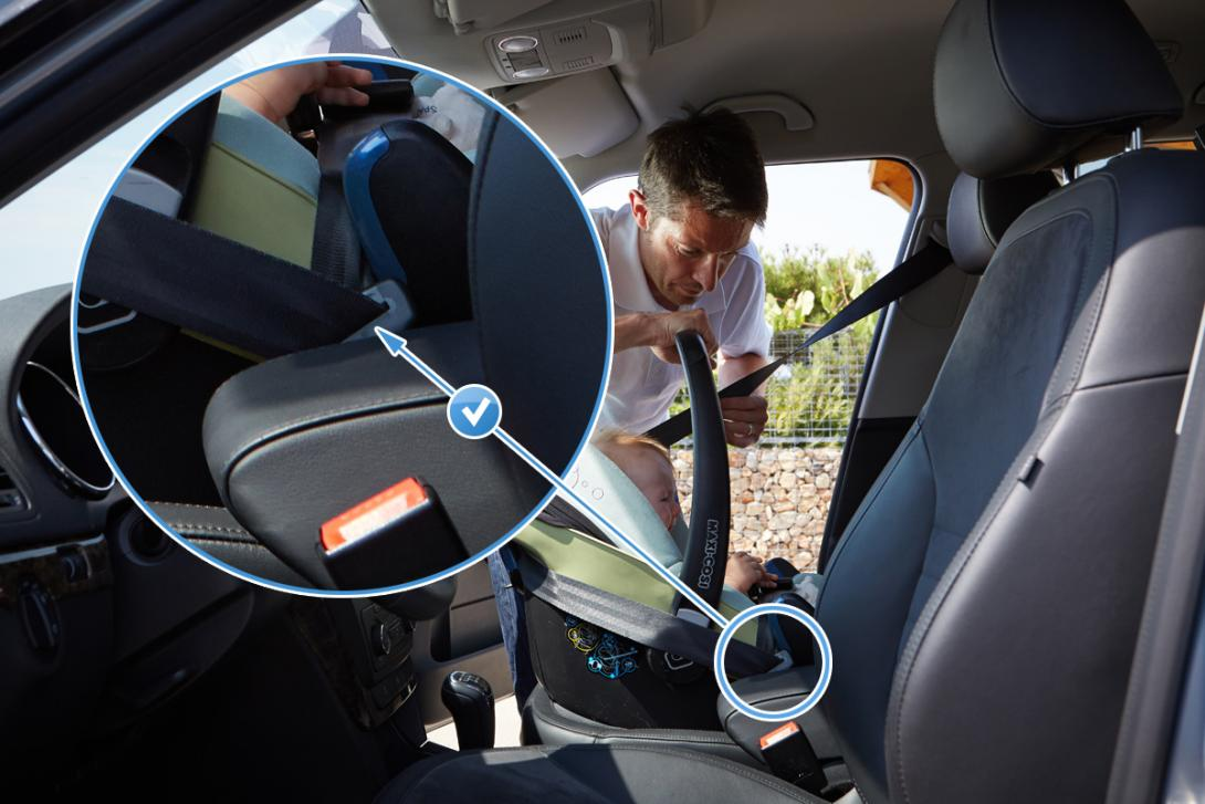 Správné použití: Autosedačku typu vajíčko poutáme do auta vždy protisměrně