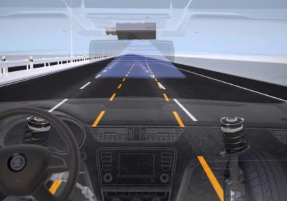 Udržování vozu v jízdním pruhu (Lane Assist)