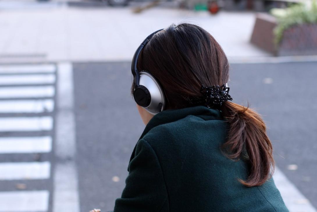 Nebezpečí – Sluchátka, poslouchání hudby