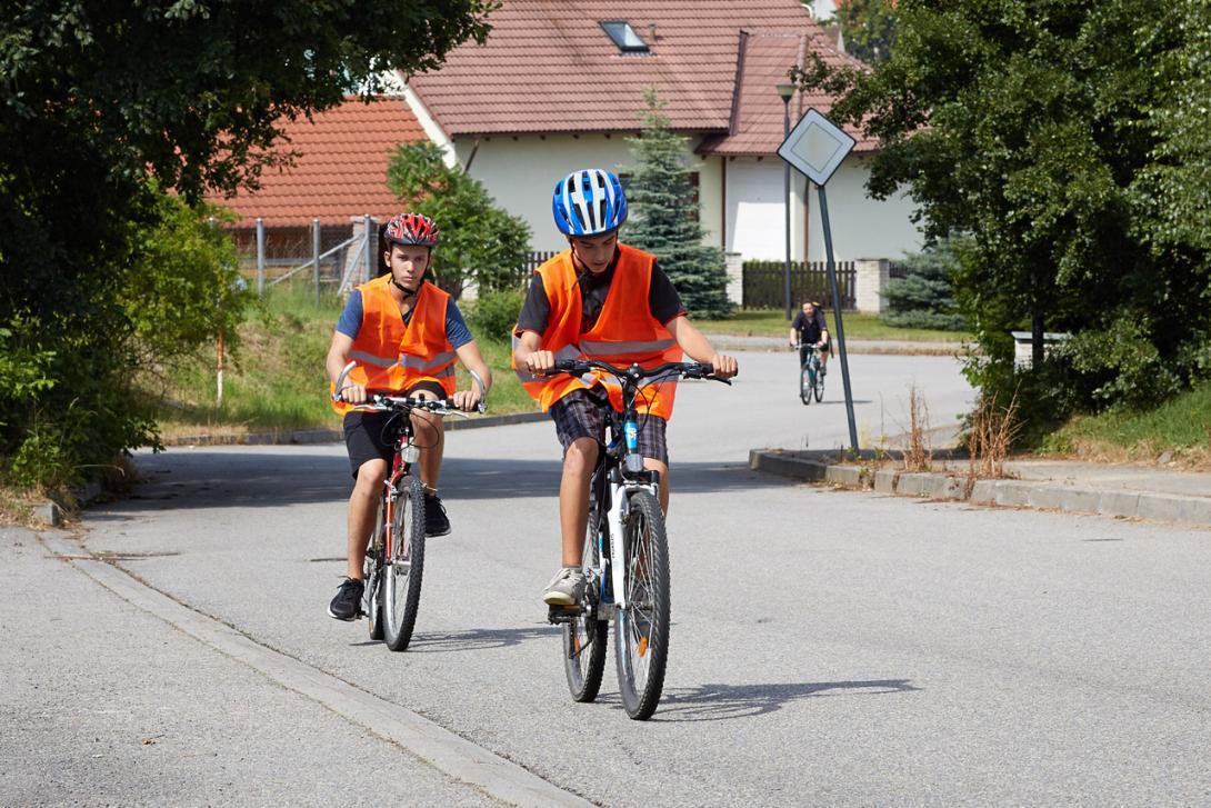 Na kole jezdíme vždy vpravo