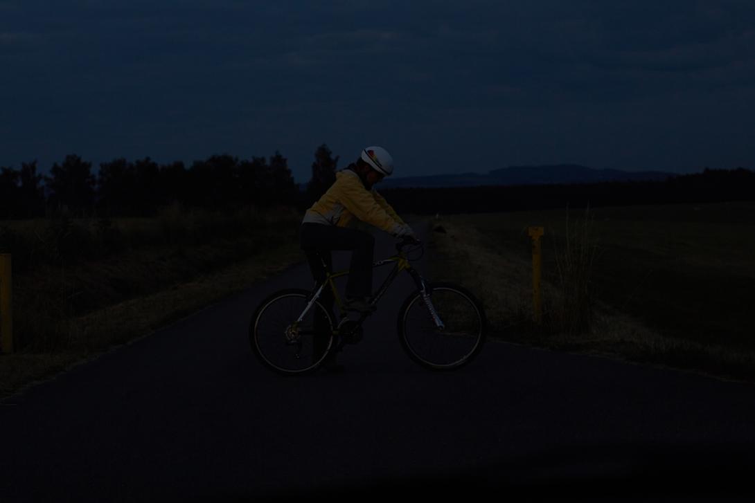 Špatně: Viditelnost cyklisty z boku