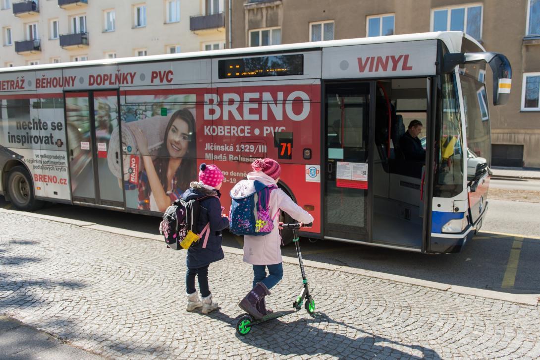 Nastupování do autobusu