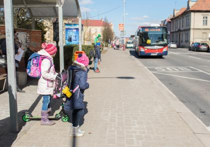 Ze školy autobusem