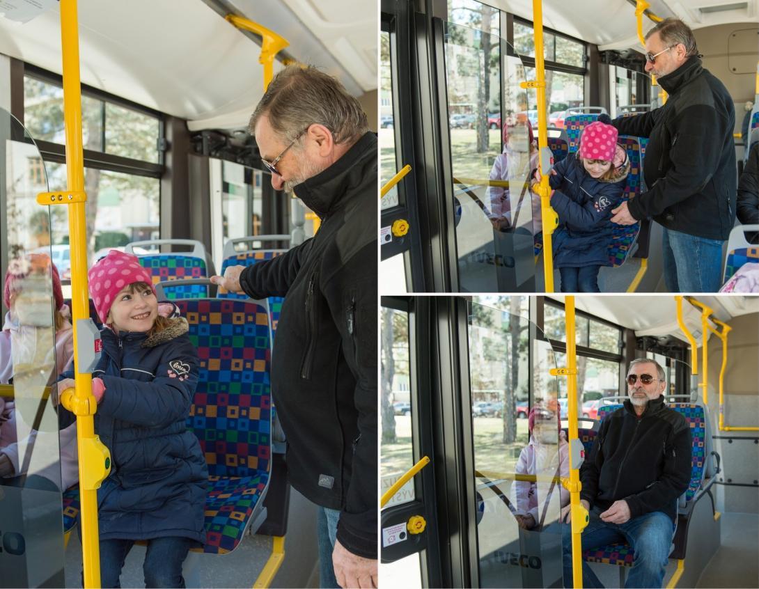 Přednost starších cestujících