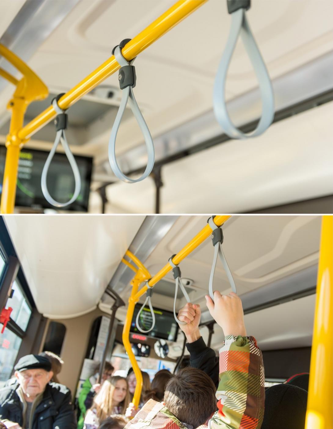 Držení v autobusu