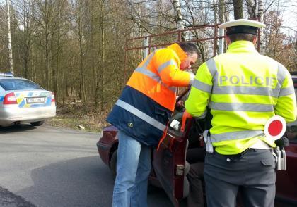 Středočeští policisté a tým Výzkumu dopravní bezpečnosti ŠKODA AUTO se zaměřili na prevenci v silniční dopravě