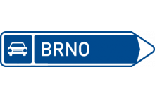 Směrová tabule pro příjezd na silnici pro motorová vozidla